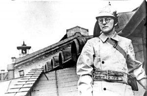 Август 1941, Ленинград Дмитрий Шостакович на крыше Ленинградской консерватории
