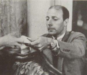 Пьер Матисс расплачивается на аукционе Фишера в Швейцарии в 1938 г.