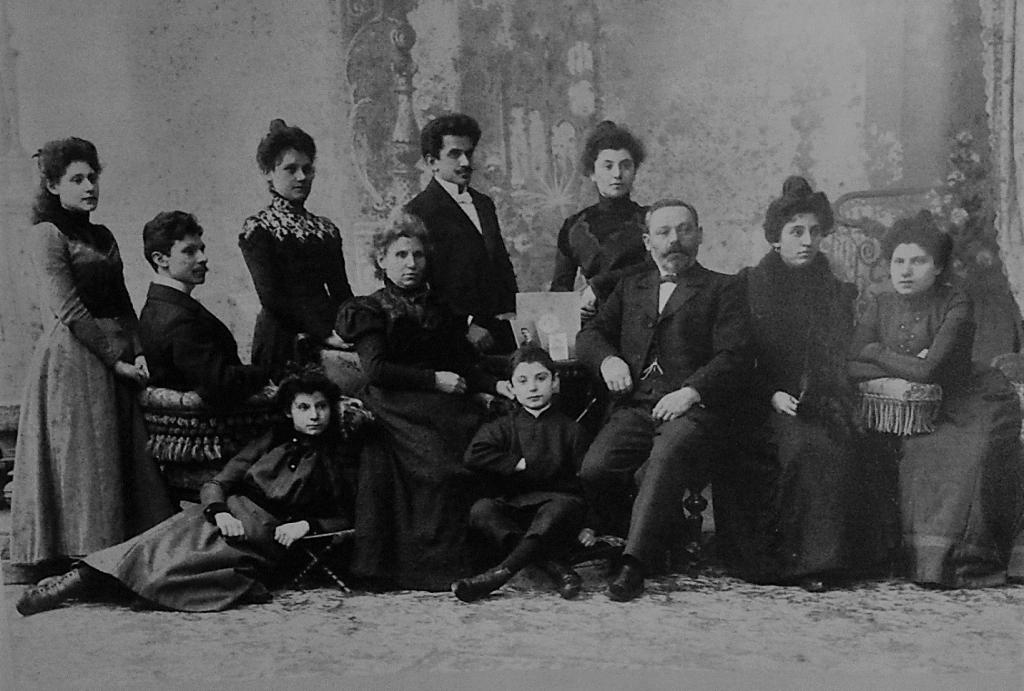 Семейное фото Шальниковых