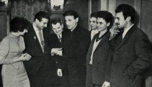 Михаил Светлов в литобъединении «Магистраль» (Александр Аронов – второй справа)