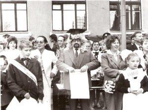 Эдуард Драбкин среди учеников