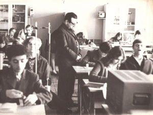 Эдуард Драбкин в классе