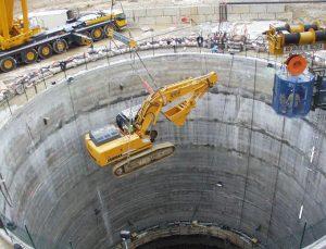 Рис.17. Спуск оборудования на горизонт туннеля ускорителя