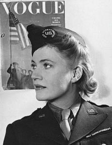 Ли Миллер (бывшая фотомодель, потом военный корреспондент)