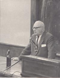 Профессор М.Ф. Широков на 5-й Международной гравитационной конференции в Тбилиси (1968 г.)
