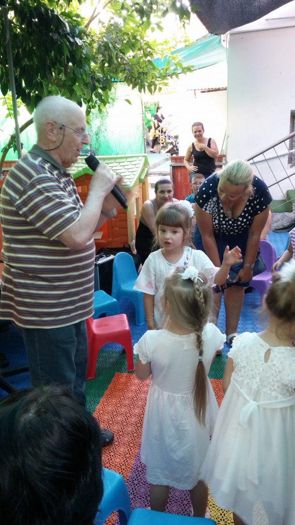 Вадим Левин дает мастер-класс в детском саду