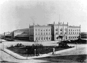 Вокзал «Лертербанхоф», на который в товарном вагоне в ящике и без сопровождения из Парижа прибыло тело Тургенева для дальнейшего следования в Петербург.