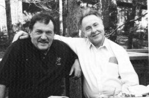 На веранде нашего дома с Василием Павловичем Аксеновым 28 марта 1998 года. Фото Н.И.Сойфер. Публикуется впервые