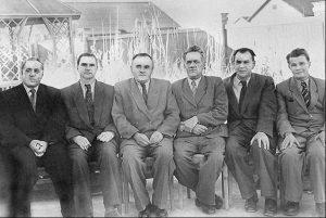 Знаменитая Шестерка Главных конструкторов (слева направо): Бармин, Глушко, Королев, Пилюгин, Рязанский, Кузнецов, 1957, Байконур