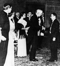 Вручение Гейзенбергу Нобелевской премии