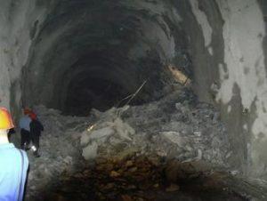 Рис.12. Внезапный выброс пород в туннеле. https://www.sciencedirect.com/science/article/pii/S167477551630018X