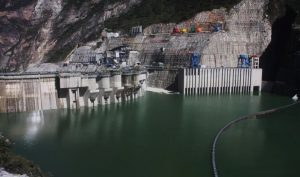 Рис.28. Водохранилище Цзыньпин. https://journal.probeinternational.org/2014/02/03/jinping-i-dam-impoundment-linked-to-...