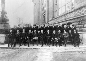Участники второго Сольвеевского конгресса 1913 г.