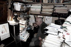 А.Н. Алексеев в рабочем кабинете