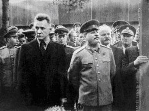 А.Н. Косыгин рядом с «двоюродным дядей» И.В. Сталиным