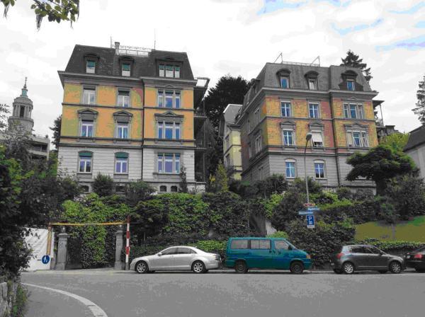 Дом в Цюрихе на Moussonstrasse 10 (справа), где Альберт Эйнштейн жил в 1909-1911 гг. (Фото автора)