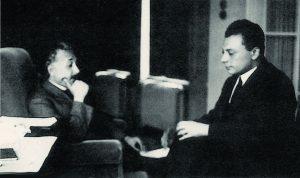 Альберт Эйнштейн(слева) и Вольфганг Паули, осень 1926 г.