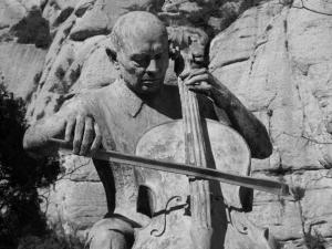 Памятник Пабло Касальсу в Монсеррате