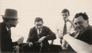 Справа налево: Вольфганг Паули, Левис Мортон Мотт-Смит, Исидор Раби, Роберт Оппенгеймерна Цюрихском озере, 1929 г.