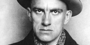 Владимир Маяковский, фото А. Родченко, 1923