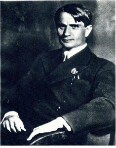 Фото Т.Д. Лысенко, разосланное в 1940 г. перед обсуждением вопроса о награждении ему Сталинской премией. Из Архива ВИР