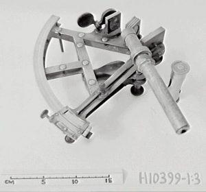 Бронзовый секстан работы Траутона (ориентировочно 1831‒1841 гг.). Музей науки и прикладного искусства, Сидней, Австралия
