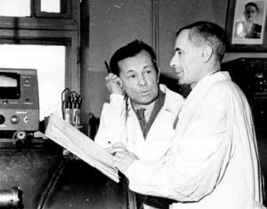 В 1962г. П.Е. Спиваку и Ю.А. Прокофьеву за работы по экспериментальному исследованию бета-распада нейтрона была присуждена (впервые после её учреждения) Премия и Золотая медаль им. И.В. Курчатова.