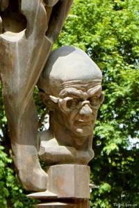 Мераб Мамардашвили — в монументе Эрнста Неизвестного