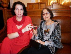 Фотография: Ольга и Анна на фуршете после исполнения оперы «Идиот»