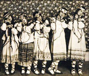 Сцена из балета «Весна Священная»