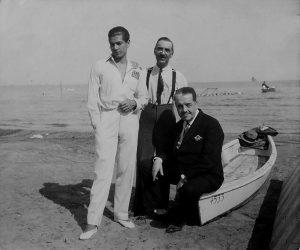 С. Лифарь, В. Нувель и С. Дягилев на Лидо в Венеции