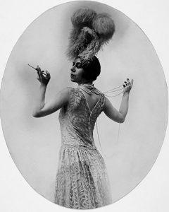 Бронислава Нижинская в балете Ф. Пуленка «Лани»